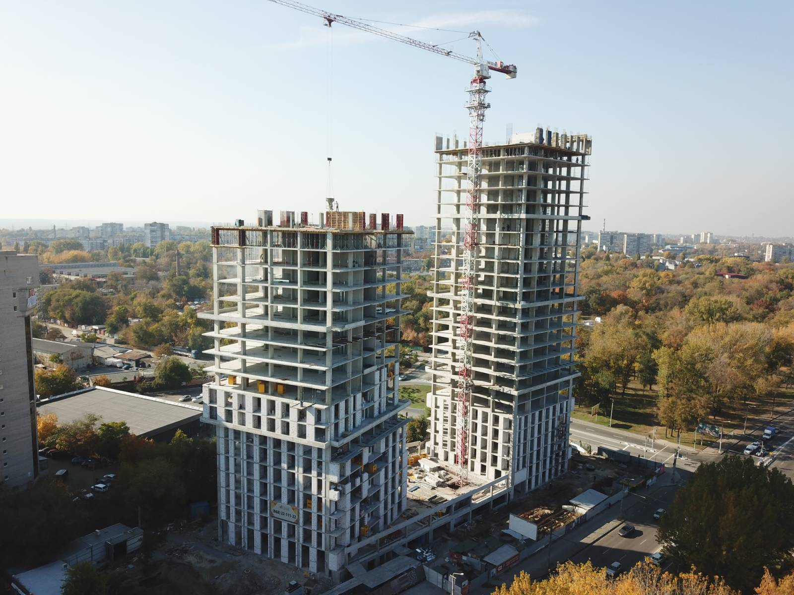 Photos from the construction of the residential complex «Grani»